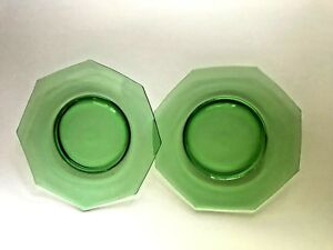 2-Green-Octagon-8-in-Depression-Glass-Luncheon-Plates