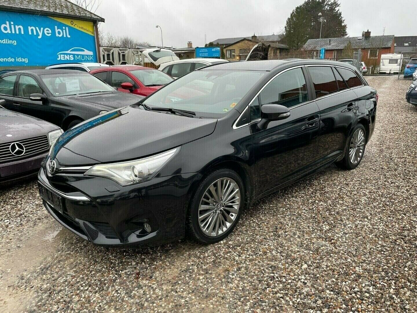 Toyota Avensis 1,8 VVT-i T2 Executive Touring Sports MDS 5d