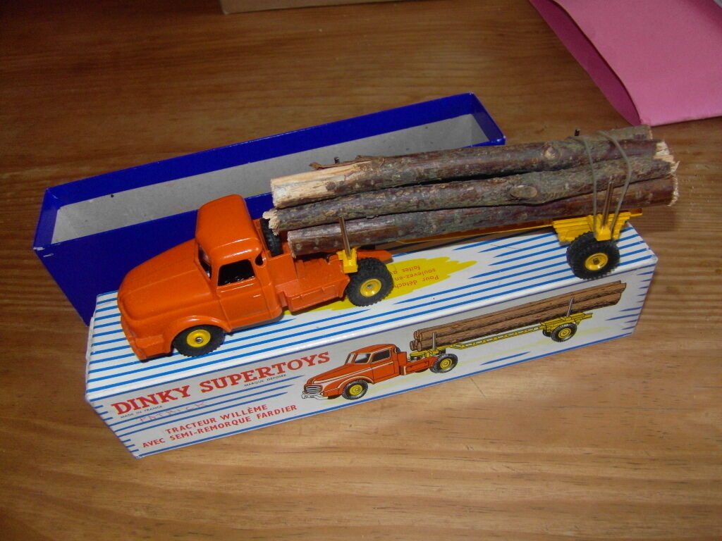 Tracteur WILLEME avec remorque fardier