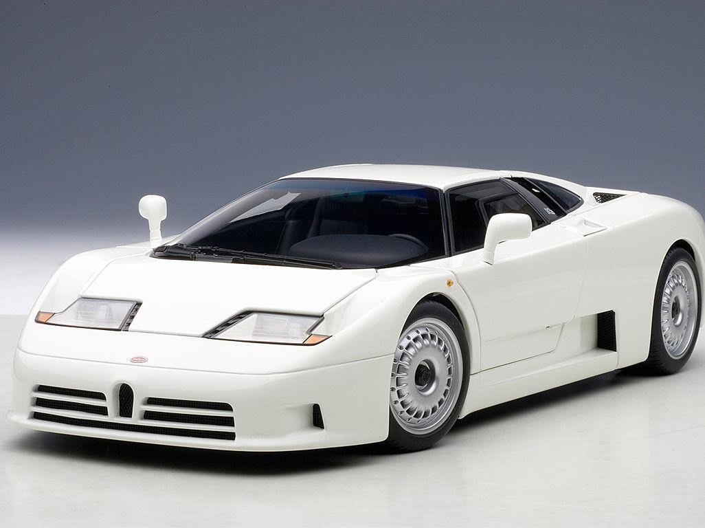 1 18 AutoArt -  Bugatti EB110 GT - White NEW IN BOX