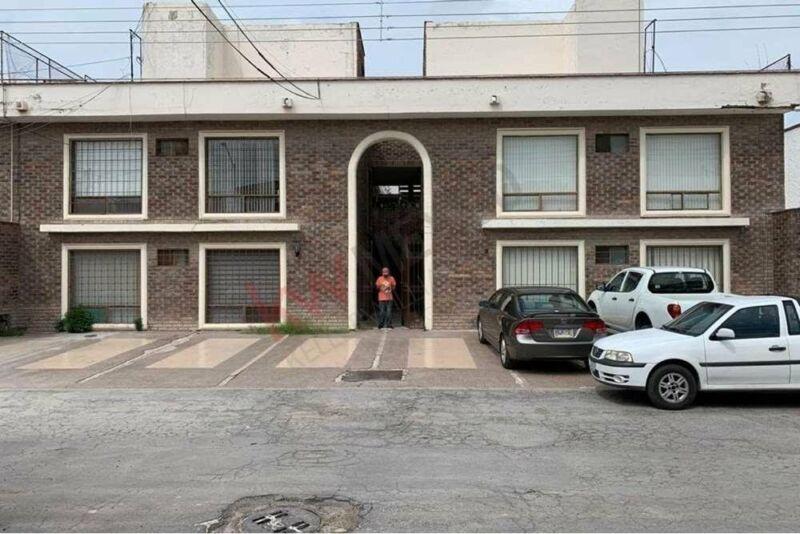 Edificio de Departamentos en Venta, Frente a Club de Golf Campestre La Rosita, Torreón,...