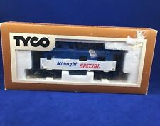 Tyco HO 40' Midnight Special Offset Cupola Caboose Freight Train Car 327-19