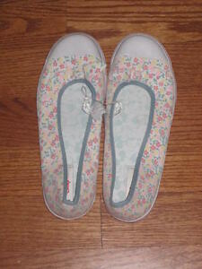 e2cb21bec687b Image is loading DISNEY-SHOPPING-MICKEY-MOUSE-LADIES-FLORAL-BALLET-SHOES-