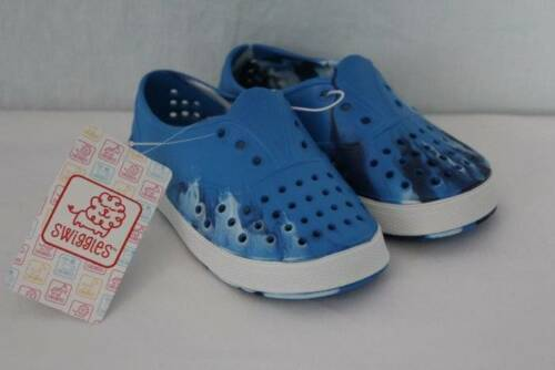 Toddler Boys Water Shoes Small 5-6 Sandals Clogs Slip On Tennis Shoes Casual