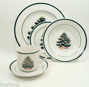 Totally-Today-China-HOLLY-TREE-Xmass-Holiday-5-Piece-Place-Setting-s