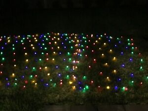 300 LED SIZE 3M x 3M MULTICOLORED SOLAR NET CHRISTMAS LIGHTS
