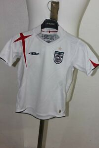 UMBRO-EQUIPE-D-ANGLETERRE-MAILLOT-DE-FOOT-FOOTBALL-6-7-ANS