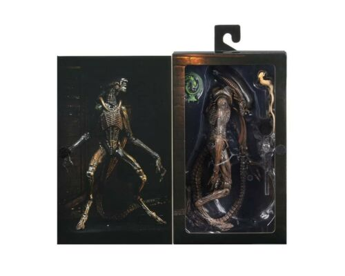 """BRAND NEW /& OFFICIAL NECA ALIEN 3 Ultimate Dog Alien 9/"""" tall action figure"""