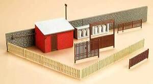 Auhagen h0, tt 12256: portes avec maisons accessoires  </span>