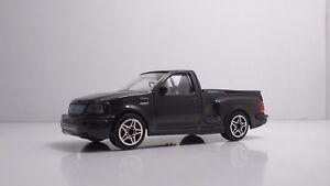 Bburago-30000-Ford-SVT-F150-Lightning-034-Black-034-METAL-1-43