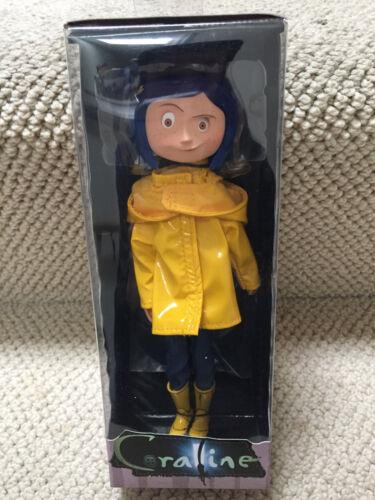 """7/"""" Coraline avec imperméable poupée//figurine Reel NECA Toys Caroline Très Détaillé!"""