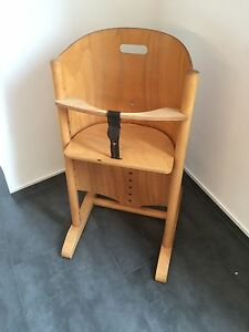moizi mitwachsender kinder hochstuhl mit sicherungsb gel. Black Bedroom Furniture Sets. Home Design Ideas
