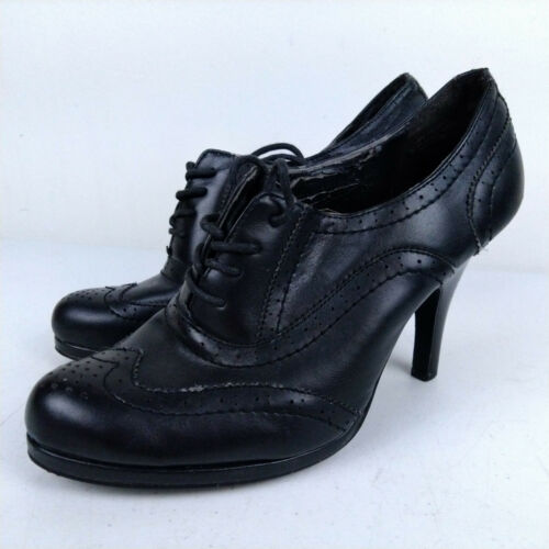 Nicole Steinman Black Leather Wing Tip Oxford Lace