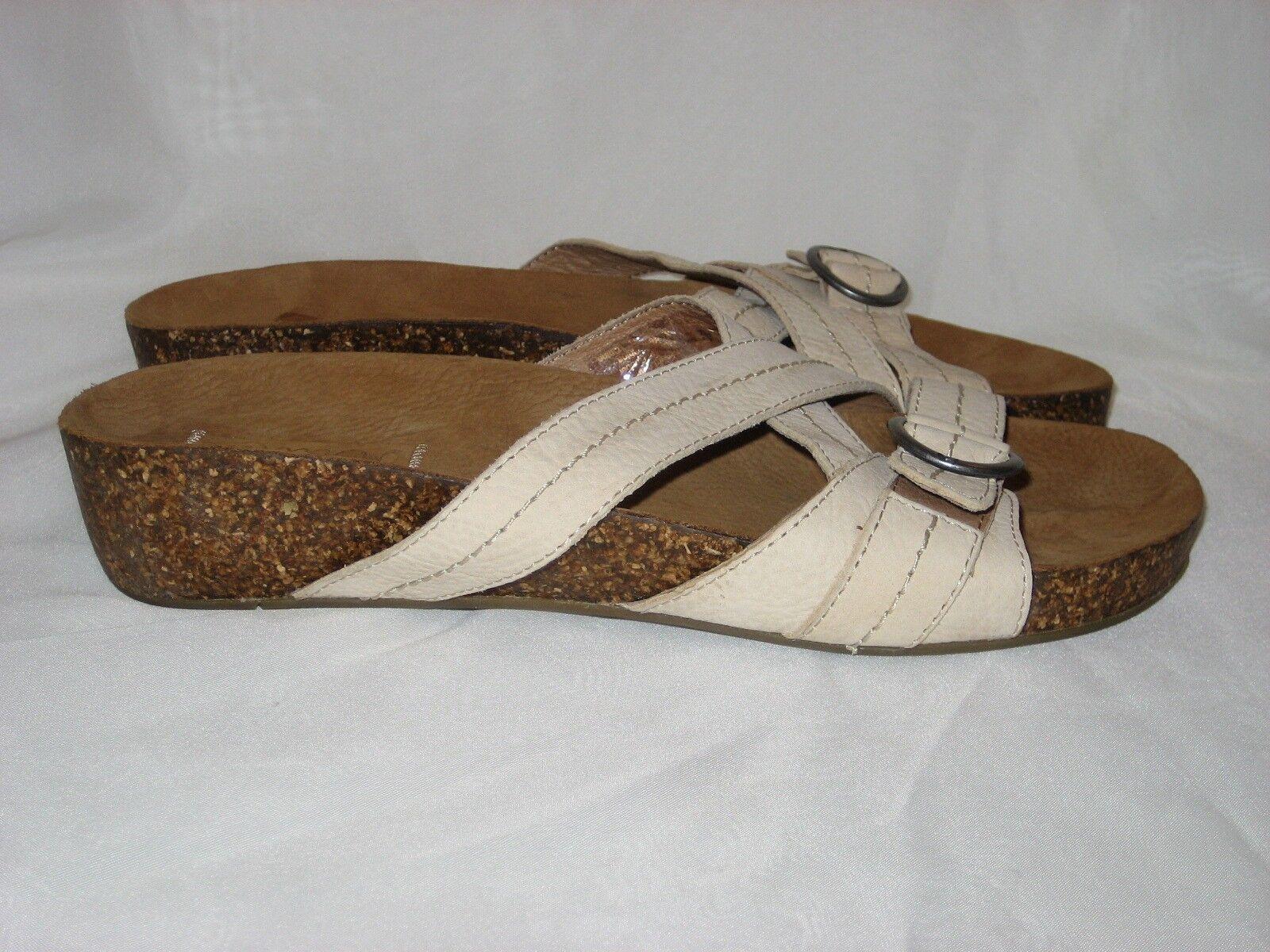 OLUKAI Tan Leder Strap Sandale (Sample) Größe 7M NEW