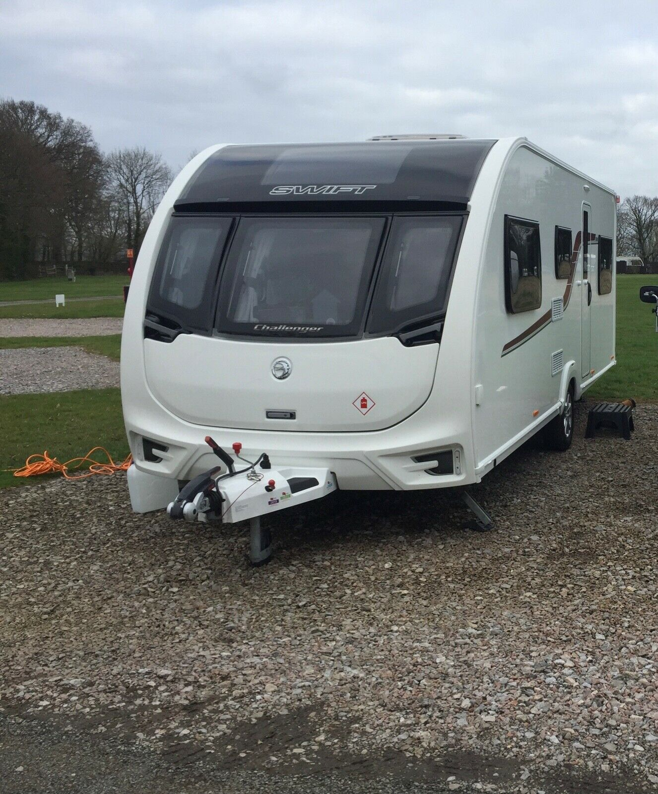 Swift Challenger 590 6 berth with motor mover 2016