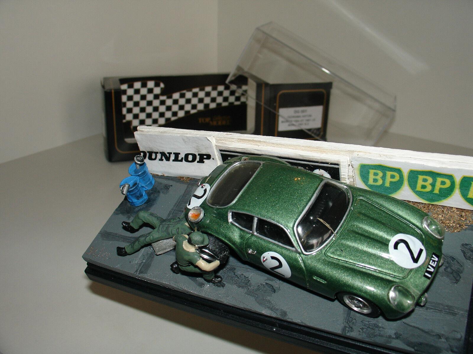 1/43 ASTON MARTIN DB4 GT 1961  2 DIORAMA L.E 75pcs by TOP MODEL oro DG 001