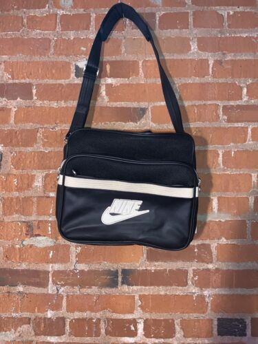 Vintage 90's Nike Cross Body Bag