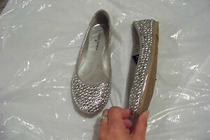 new-womens-faded-glory-silver-beaded-ballet-flats-shoes-size-6