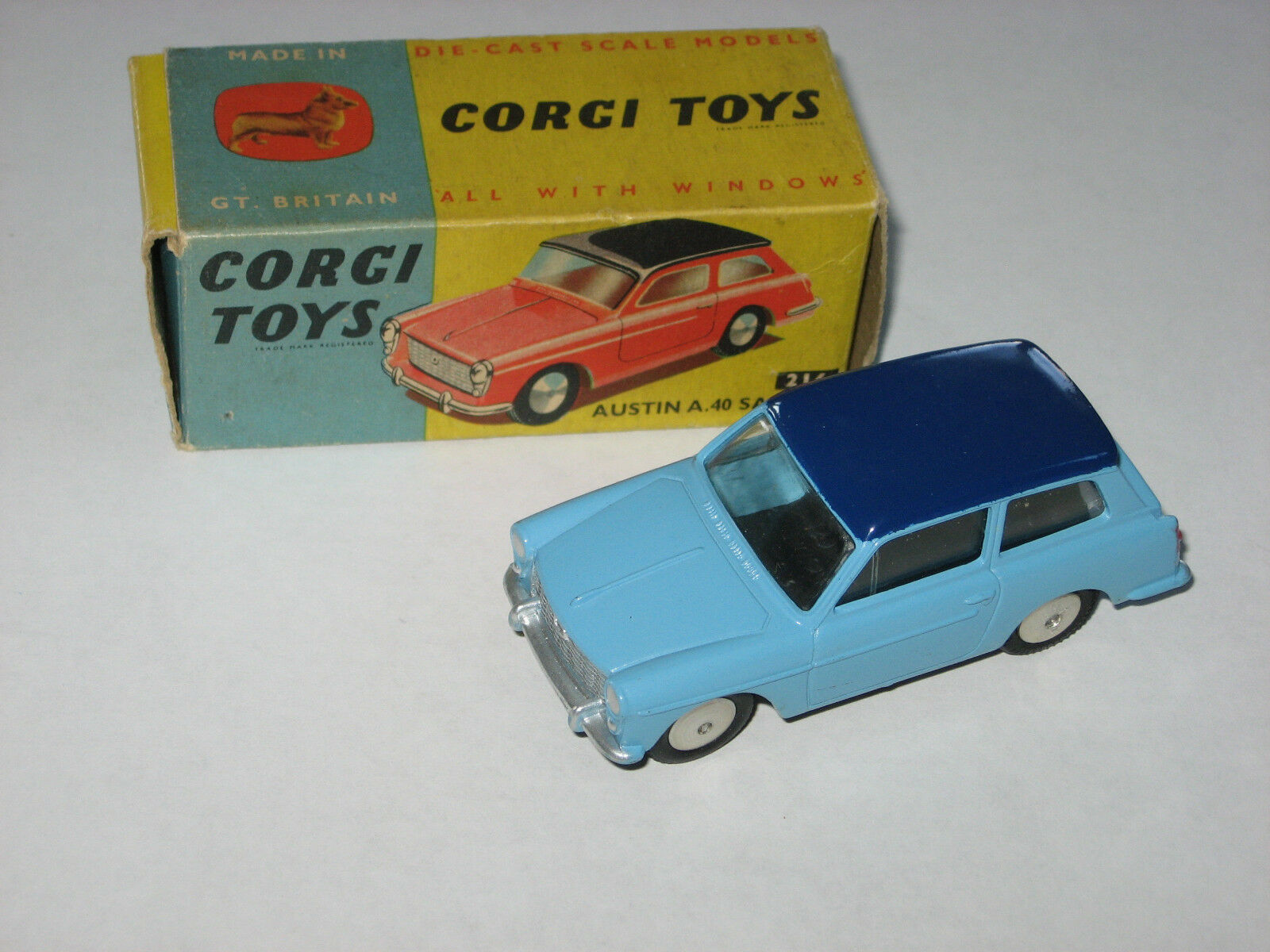 CORGI TOYS  no 216 Austin A.40 Saloon near Comme neuf in original box  les ventes chaudes