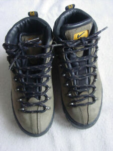 Details about Nike - ACG - Hiking Boot - Men's - Size 5.5 - UK 3 - EUR 36 -  EXCELLENT !