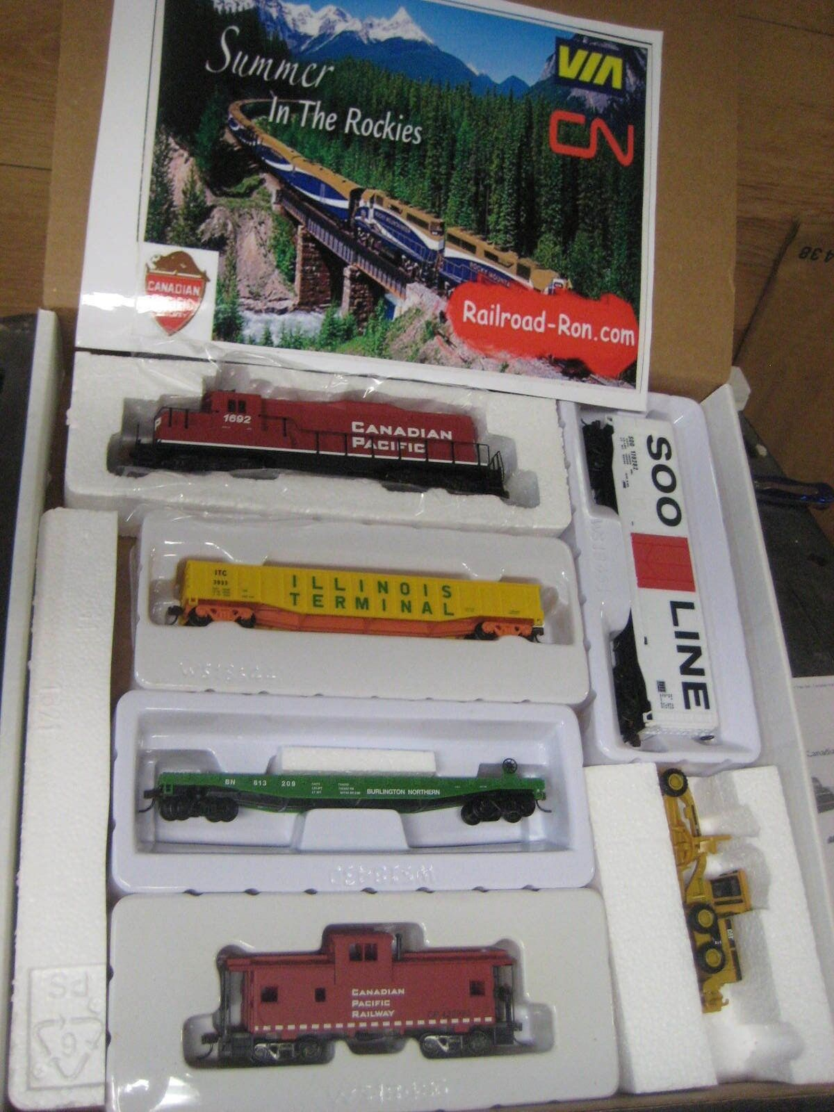 Ho Walthers Canadian Pacific Train Set Powered Locomotora Diesel con 4 coches mas