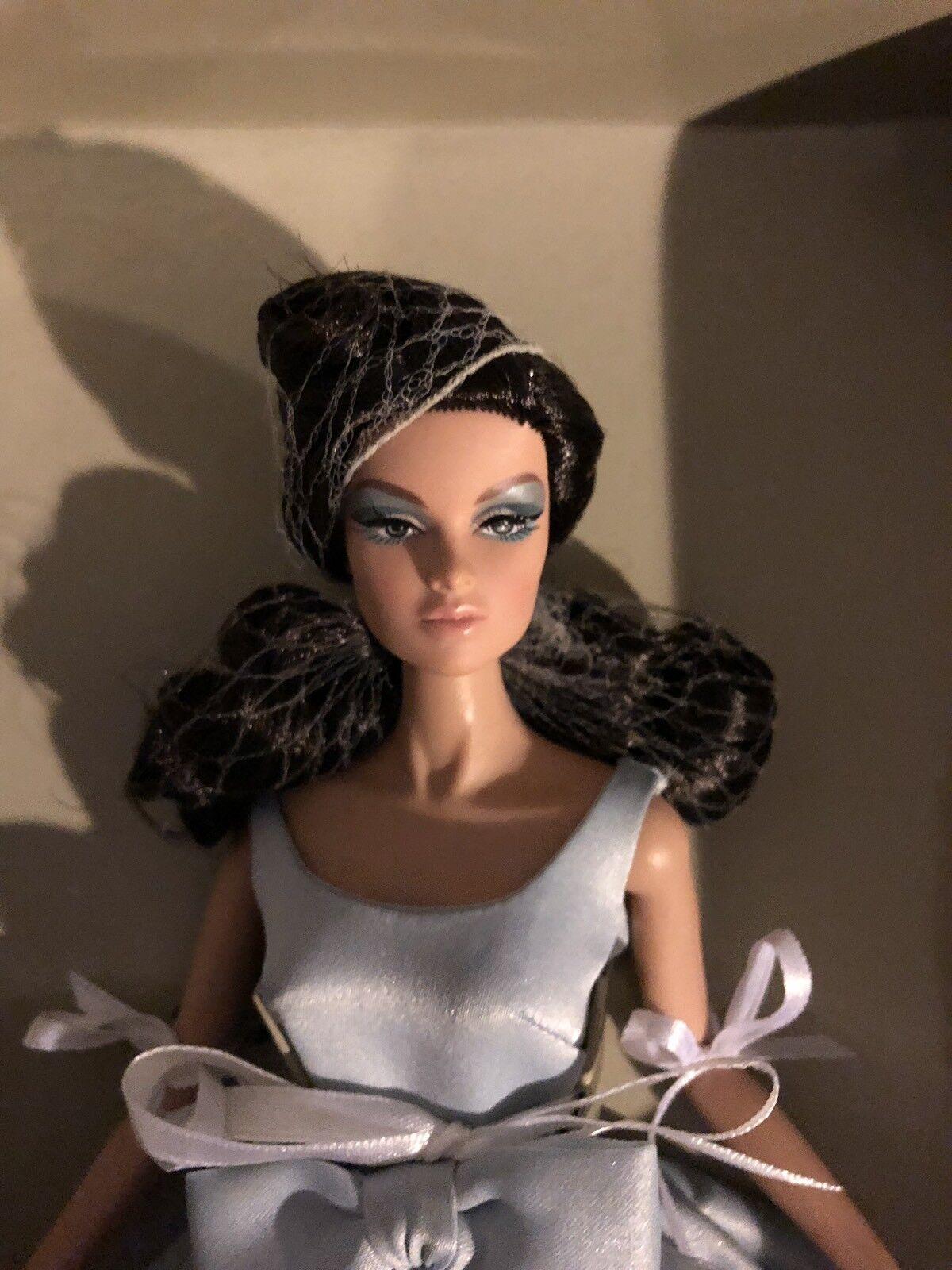Fantastic NRFB Anya Fashion Royalty  (silkstone jason wu doll)
