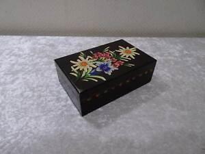 Wood-Little-Box-Casket-Alpenrose-Edelweiss-Gentian-Carving-Vintage