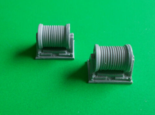 Model Boat Fittings. 1//72  to 1//96 scale Details about  /Pair of Rope Reels. S