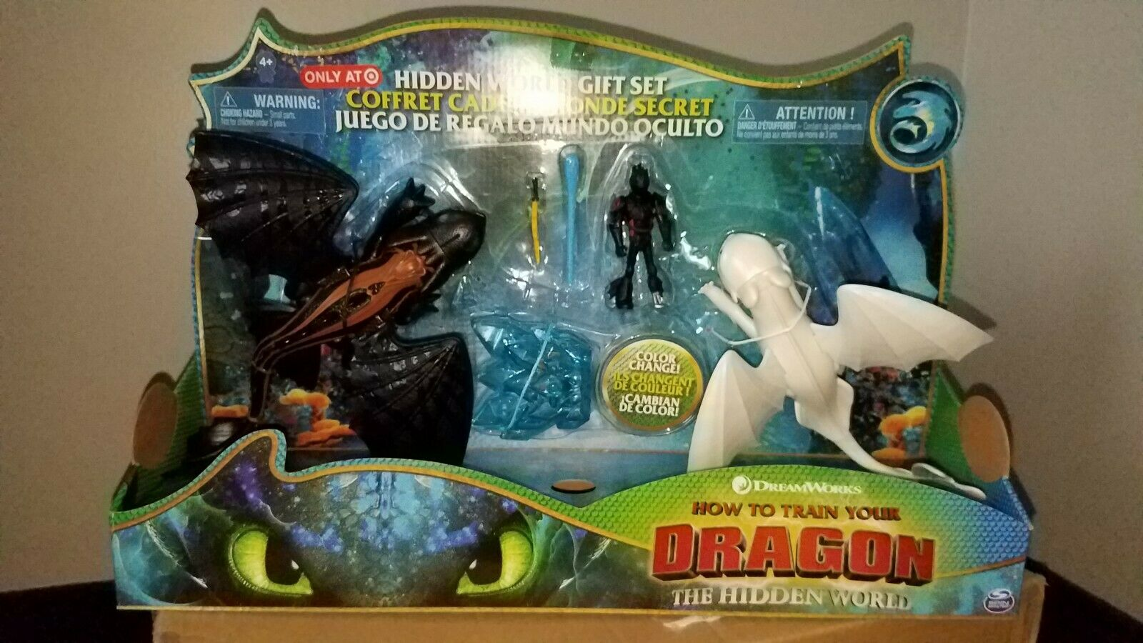 How To Train Your Dragon 3 Night Fury Light Fury Target Gift Set NEW