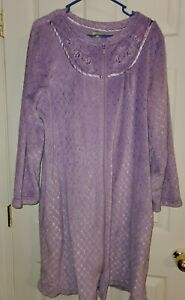 Details about  /NWT Croft /& Barrow Womens House Coat Robe Purple Zippered Polyester Terry Cloth