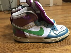 extinción picnic Pizza  Nike Hi Tops Girls 6 Youth Purple Blue White Green NIKE Swoosh 344578-131  AA38 | eBay