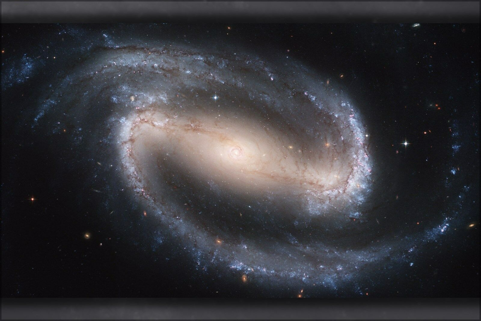 Poster, Many Größes; Ngc 1300, Barrot Spiral Galaxy Hubble Space Telescope Image