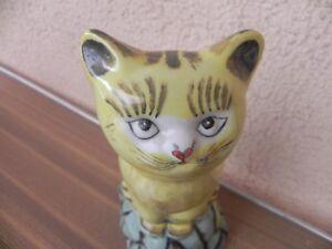 statue-de-chat-en-faience-statue-sculpture-chat-sur-rocher-en-ceramique-27-cm