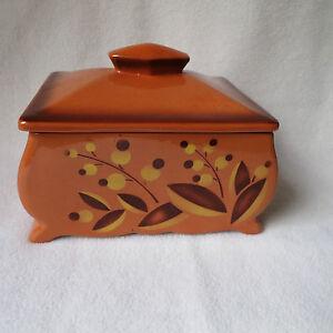schöne alte Keramik Deckeldose mit Blumen Spritzdekor Art Deco Dose tonfarben