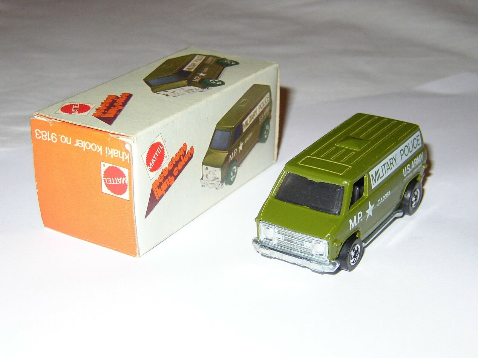 Hot Wheels - Rare Chevy Van - VINTAGE 1974 - No rougeline - Made in HKONG 1974 BOX