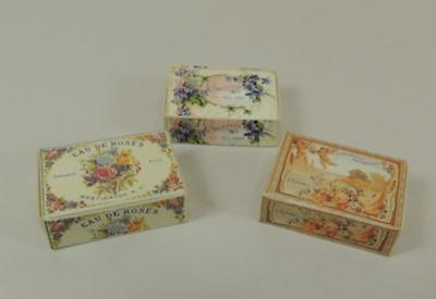 CHM Set of 3 Nogara French Toiletry Boxes Kit