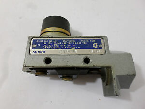 Micro Snapswitch BZE6-7RN B239