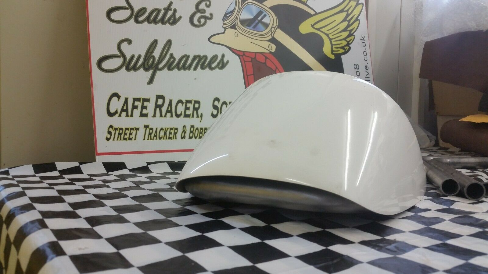 cafe racer,scrambler.dirt tracker seat unit with subframe top rail