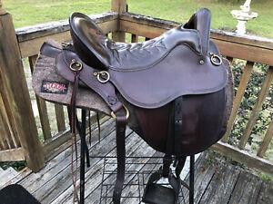 """Tucker Endurance Wide Tree 17.5"""" Saddle"""