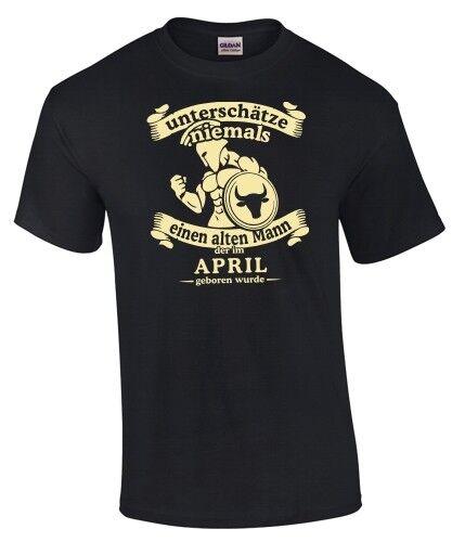 T-Shirt Sternzeichen STIER UNTERSCHÄTZE NIE ALTEN MANN GEBOREN IM APRIL lustig