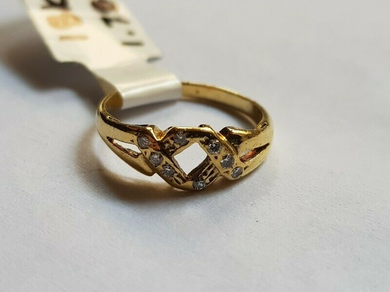 A172 18k Gold and Diamond Pinky Ring
