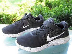 Nike Revolution 4 FlyEase Black Running