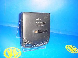 DISCMAN-player-cd-portable-SANYO-model-CDP-35