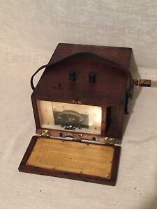 Vintage-MEGOHMS-meter-mounted-in-a-lovely-Wooden-box-FREE-UK-POSTAGE