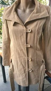 TOPSHOP-Beautiful-Vintage-Look-Beige-Button-Up-Coat-Size-10-With-Belt