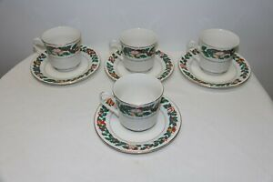 Royal-Majestic-Christmas-Eve-Cups-and-Saucers-Set-of-4