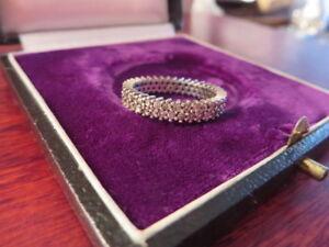 Huebscher-925-Silber-Ring-Zirkonia-Wie-Diamant-Funkelnd-Memoryring-Zweireihig