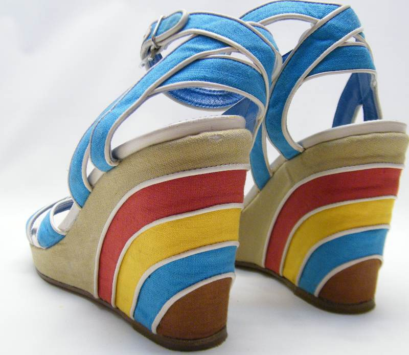 Donna FERRAGAMO BLUE RED YELLOW RAINBOW ANKLE STRAP WEDGE SHOES SZ 8.5~1/2 AA