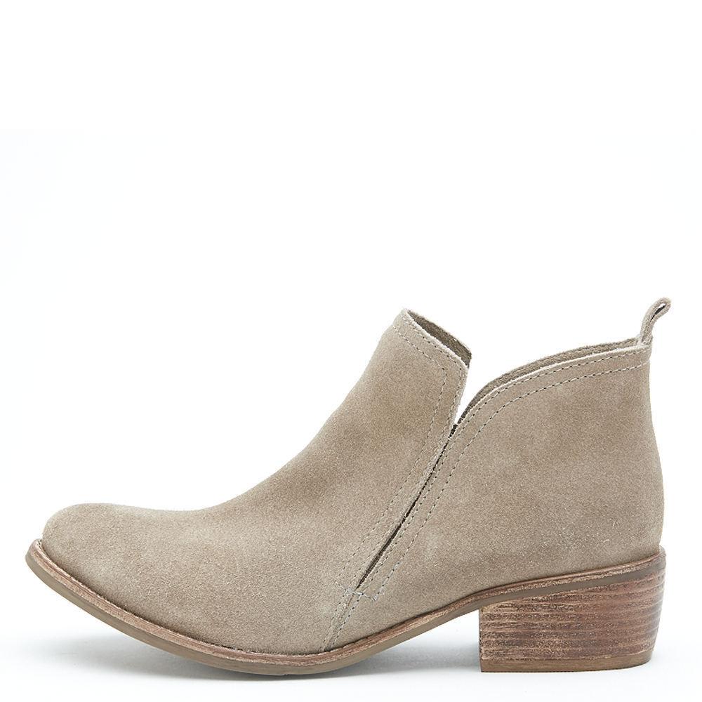 NIB Matisse Women's Courage Boot natural 6 B(M) US