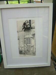 Framed-Photographic-print-Monocycle-Balcony-Kiss